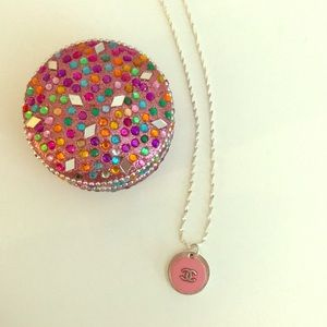 Jewelry - 💖💖💝Pink Button Necklace💖💖💖